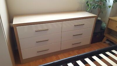 chest of drawers, six drawers, wood and white gloss finish