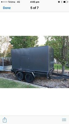 10x5 tandem trailer with rear/ front and side doors
