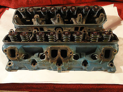 1968-1974 Mopar V8 La Cylinder Head Pair 2843675 Plymouth Dodge Oem 273 318 Cid