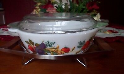 Pyrex Opal Round Casserole Dish with stand