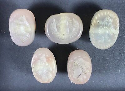 SALE !! Lot of 5 Old crystal intaglio Beads