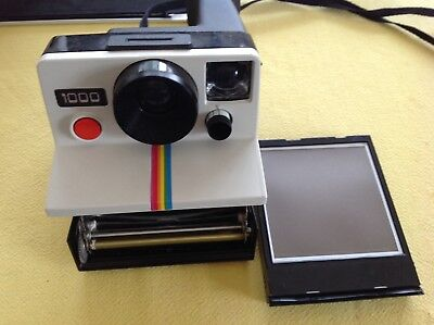 Polaroid 1000 Land Camera uses SX-70 Film For Instant Colour Photo's Red Button