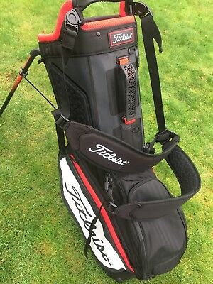 Titleist 2017 Players 5 Bag With Rain-hood 2 Rounds Only MINT