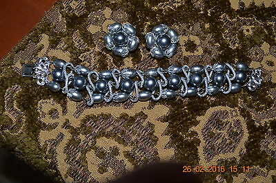 Vintage Gray Stone and silver plated Bracelet and Clip-on Earrings - Japan