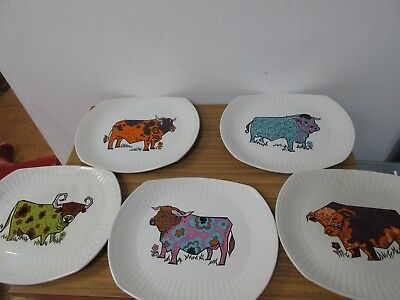 Fantastic Set Of Five Beefeater Cow Plates, English Ironstone Pottery