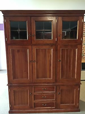 Display cabinet: Solid pinewith lead glass in lovely colonial style