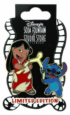 2013 Disney DSF Thanksgiving Lilo & Stitch with a Wishbone LE-400 Pin