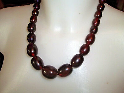 "BEAUTIFUL ART DECO  Veined AMBER BEADED BAKELITE NECKLACE 20"" LONG."