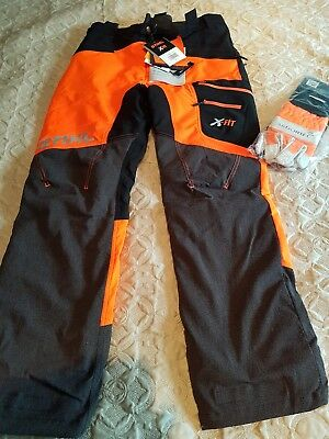 sthil chainsaw trousers xl...with chainsaw gloves.