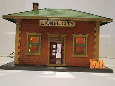Prewar Lionel City Station #122 Tin Illuminated Waiting Area Railroad Station