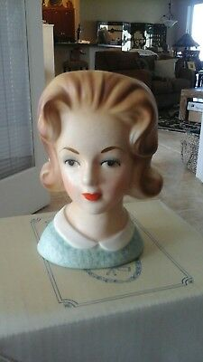 Lady ceramic bust,50's to 60's made by Inarco