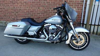 2015 Harley-Davidson Touring  2015 Harley Davidson Street Glide Special Only 4700 Miles Real Nice Silver