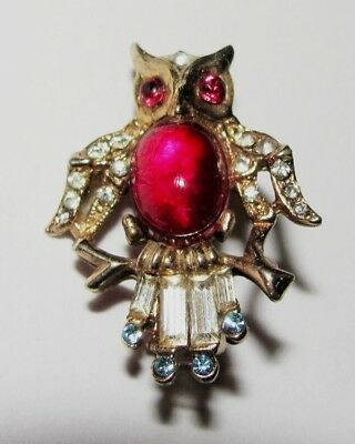VINTAGE 50s UNSIGNED TRIFARI RHINESTONE JELLY BELLY MINIATURE OWL BIRD PIN