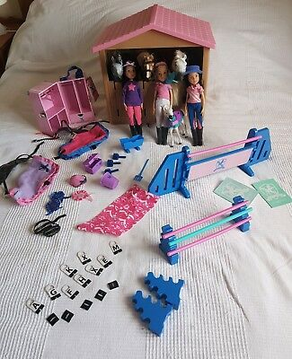 Pony Parade toy horses and stable bundle