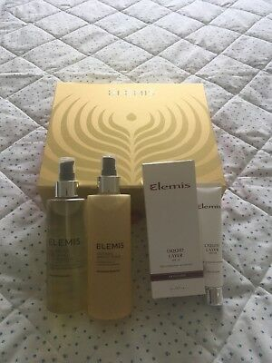 Woman's Elemis Set In Box Soothing Toner, Cleansing Oil