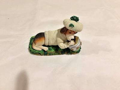 Danbury Mint Perpetual Calendar Beagle Figurine - March