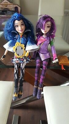 Mal and Evie descendants dolls