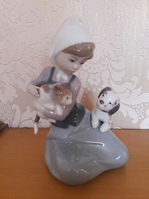 Lladro Girl with Dog & Cat 'Little Friskies' 5032 Retired 1998