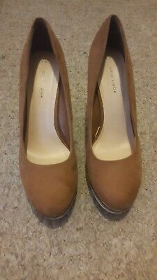 Ladies brown wedge shoes size 6. New Look VGC. Court work shoes slip on.