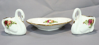 Royal Albert Old Country Roses Two Swans And a Heart Pin tray