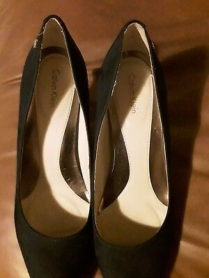 navy shoes size 7