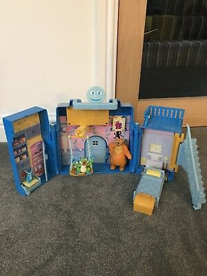 Bear In The Big Blue House toy playset/house and figures, very rare