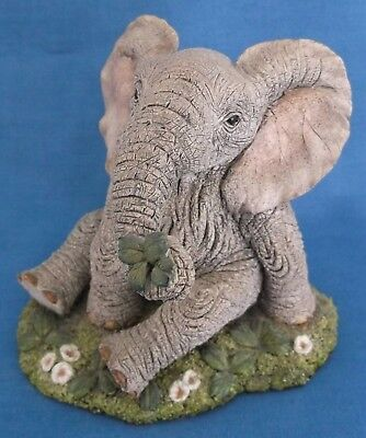 Tuskers Elephant Four Leaf Clover Paw Prints Country Artists 1996 Figure B Price