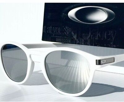 New Oakley LATCH Sunglasses Retro Matte White/Chrome Iridium Eyewear -Authentic