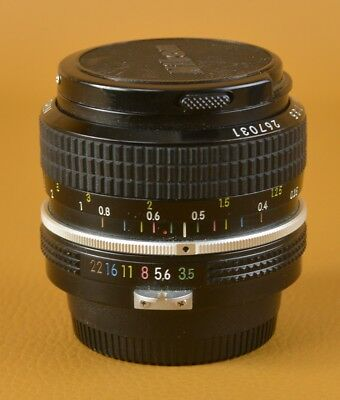 Nikon 28mm Pre-AI f:3.5 Top Condition