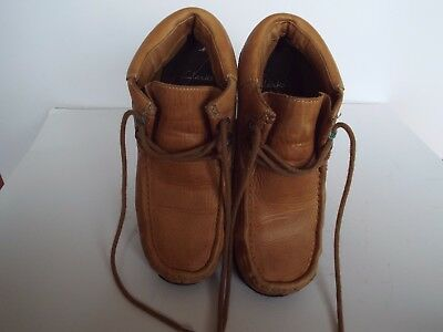 A Pair Of Mens Tan Leather Shoes Clarks  Size 8.