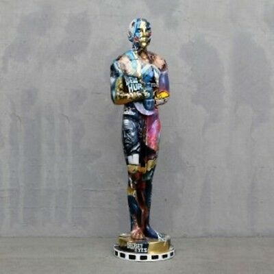 POP ART- TROPHY Statue Man - WOW  Figurine
