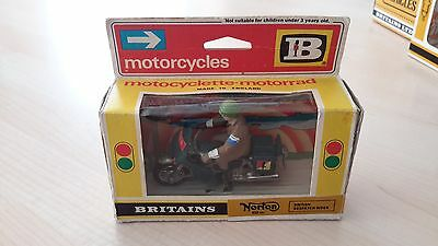 BRITAINS #9672 British Army Dispatch Motorcycle Rider - Original Box