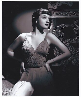 Dorothy Lamour - Hand Signed Card  & Stunning Photograph.