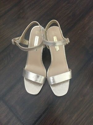 Gold Two Part Sandals Size 7 Nwt