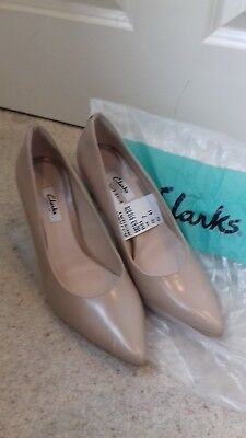 clarks nude shoes size 7