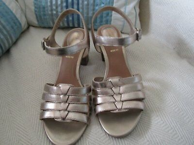 Ladies Clarks Sandals Size 5.5. Wide Fitting