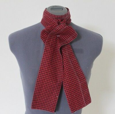 Red Checkered Cotten Stock (175cm), very good condition
