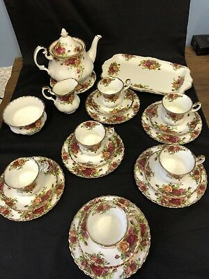 Royal Albert 'Old Country Roses' 23 Piece Tea Set