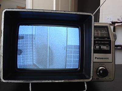 Vintage Panasonic Portable Television TR-7000P Works Great Classic Collectible