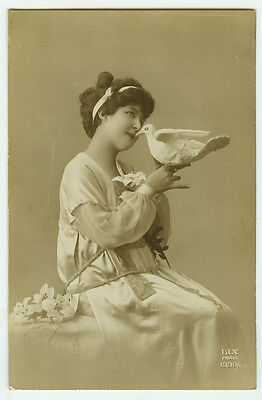 1910's Vintage Lovely BEAUTY w/ DOVES Pigeons antique photo pcard