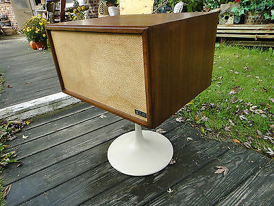Vintage Mid Century  KLH MODEL 20 TWENTY PLUS Tulip Base SPEAKER / end table