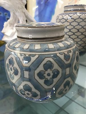 NEW ceramic blue floral pattern ginger jar canister lidded pot 12cm x 12cm