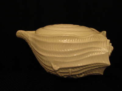 """Vintage All White Ceramic CONCH SHELL 14"""" Soup Tureen w/Lid, Unmarked"""