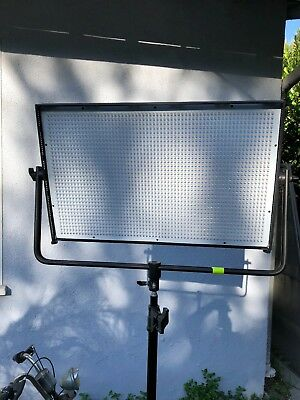Dracast 2000 LED Panel Light BI Color Flood. DMX.