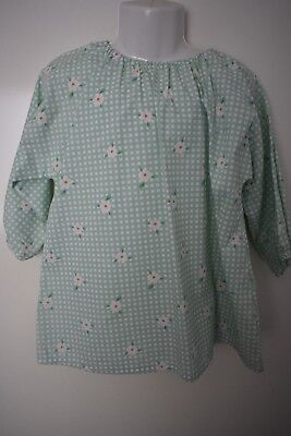 Girl's green and white art smock, size 3-5 - handmade