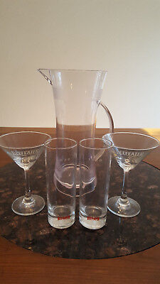 BEEFEATER GIN - Plastic Pitcher with 2 Martini Glasses 2 Hiball Cocktail Glasses