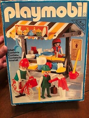 VINTAGE PLAYMOBIL 3486 Medieval Market Pottery / Hat / Fruit & Vegetable  stand