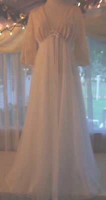 Vintage NEW Old Stock Val Mode Bridal Double Chiffon Eruo Lace Small 36 Chest