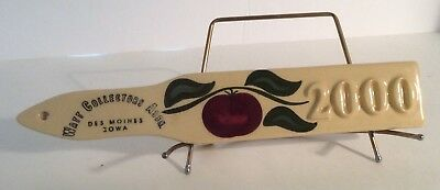 Watt Pottery Collectors Assn 2000 Retail Display Sign & Stand Des Moines Iowa