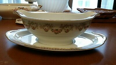 RC Royal China Beautiful Vintage Gravy Boat with Attached Under Plate